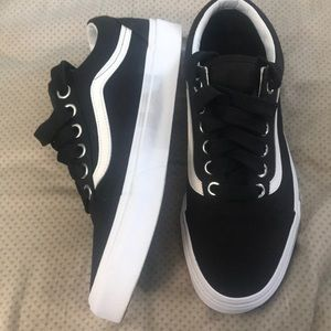 2e213258fe6a Vans Shoes - Oversized Lace Vans Old Skool